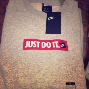 Nike Crewneck Pullover sweater